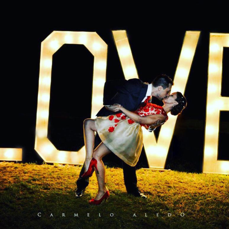 alquilar letras de love para bodas en alicante