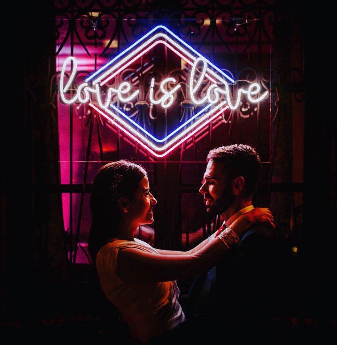 boda neon love is love alquilar