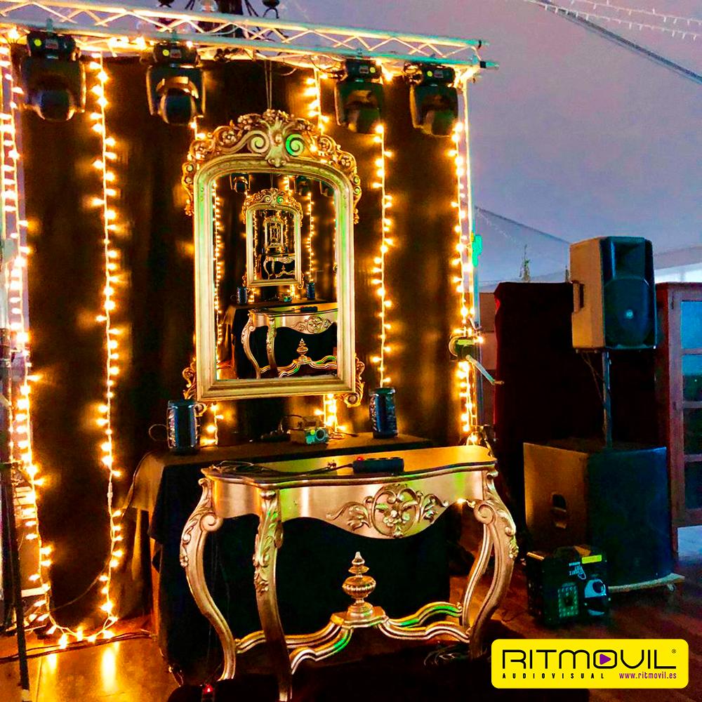 tu fiesta con la cabina de dj perfecta bañada en pan de oro